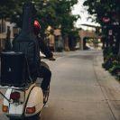 JBL_EonOneCompact-lifestyle-image_Scooter_2048px